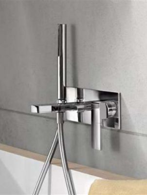 Installation sanitaires plomberie robinetterie artisan for Infiltration douche italienne